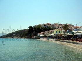 Tavernen an der Strandpromenade in Kokkari, Insel Samos